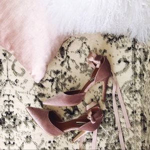Topshop Grace Lace Up Velvet Heel in Blush